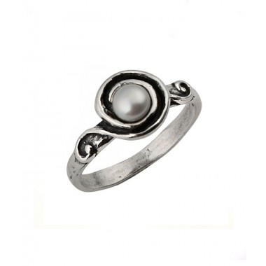 Simple Swirl Ring with a Freshwater Pearl - Thin Band