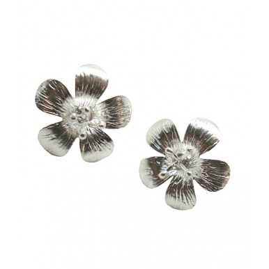 Classic Daisy Stud Earrings