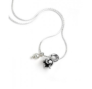 Flower and Pearl Necklace -LAST ONE